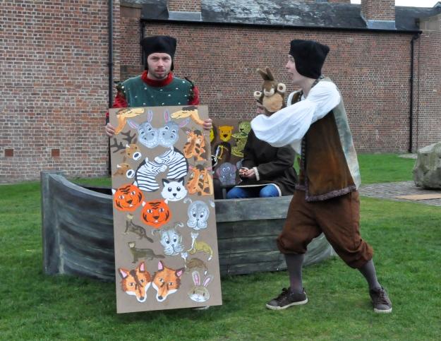 Bringing on the animals (Alex Ferguson and Geraint Williams as Ham and Japhet)